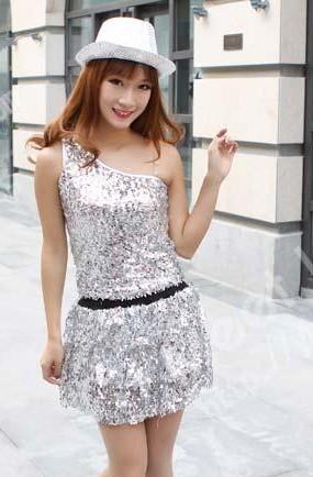 银色现代舞服,出租