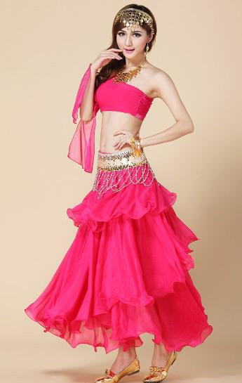 淡粉红色的肚皮舞服装