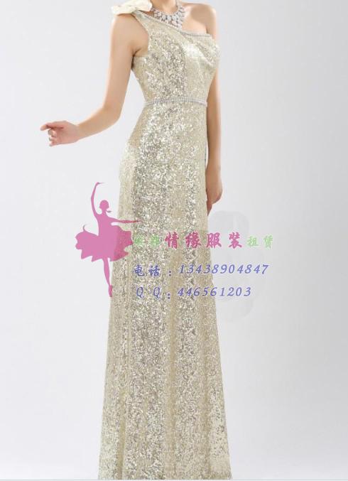 银色的礼服