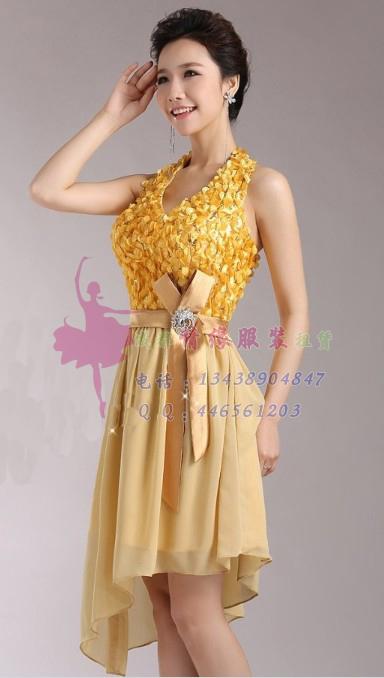 淡黄色短款礼服