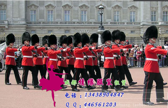 红色的宫廷卫兵服装