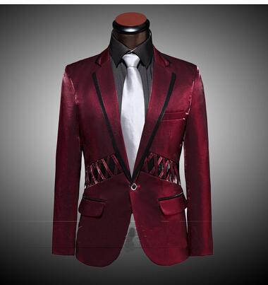 暗红色的主持西装