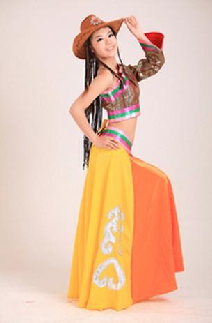 藏族康定情歌服饰