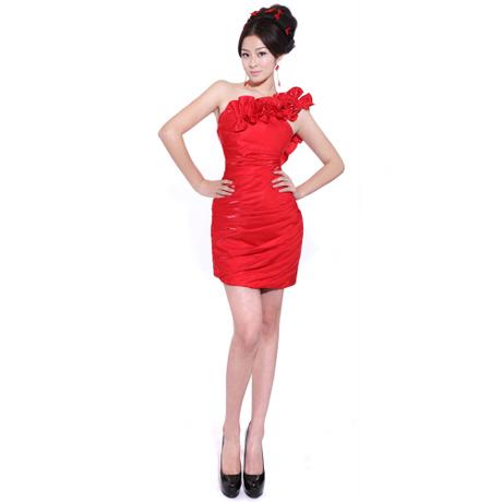 大红色包裙小礼服