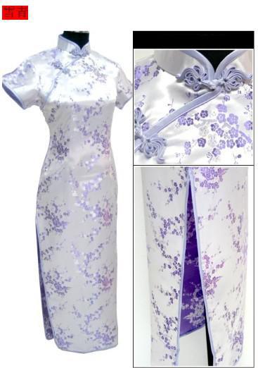 淡紫色的长款旗袍