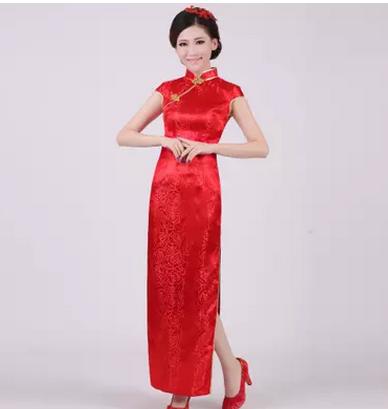 红色旗袍长款锦缎服饰
