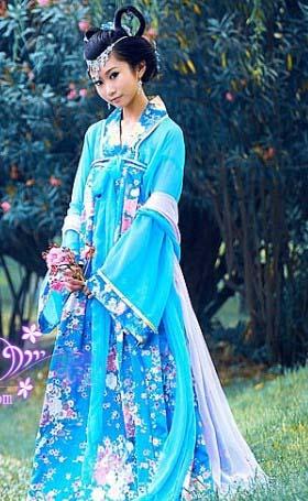 古代蓝色汉代舞蹈服