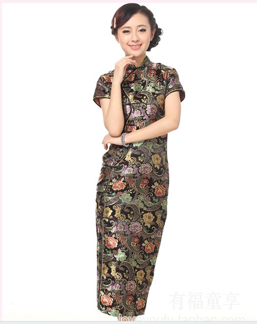 花色的典雅旗袍