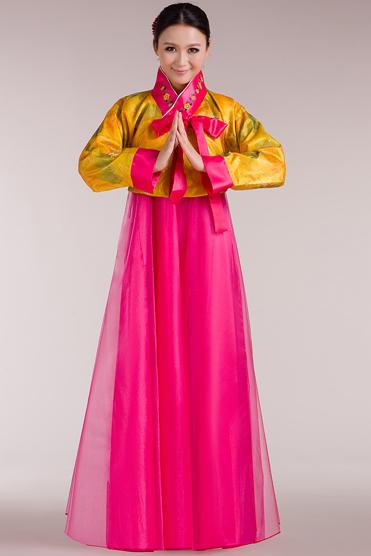 粉红色的韩服