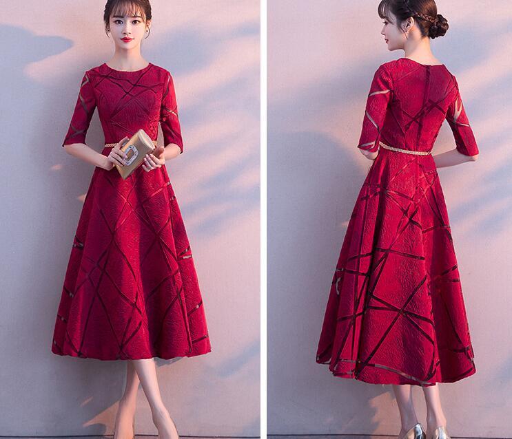 暗红中长款礼服