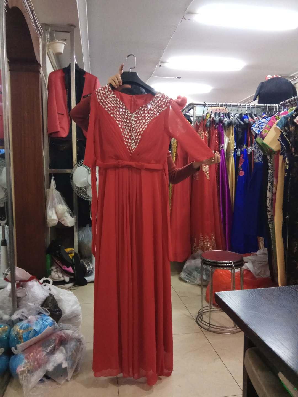 红色合唱礼服